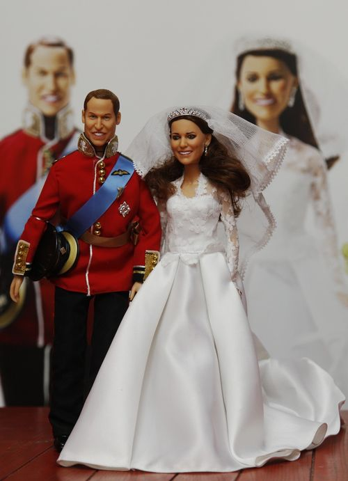 148573-kate-middleton-and-prince-william-doll